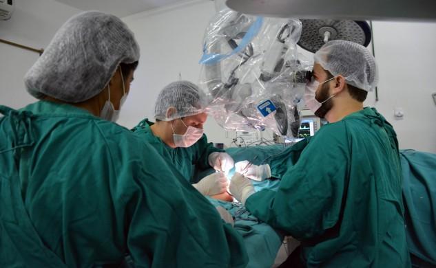 Foto-2_Francisco-Campos_SES_07102016-Governo-implanta-serviço-de-neurologia-no-Hospital-de-Câncer-Tarquínio-Lopes-Filho